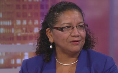 Viceministra para los salvadoreños en el exterior invita al diálogo gube...