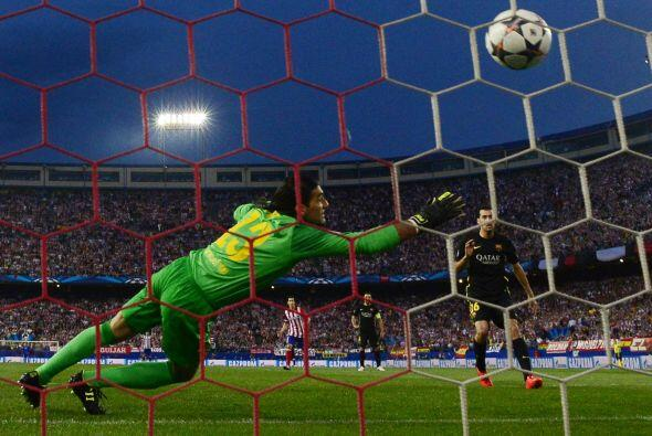 No pasaron ni 5 minutos para que el Barcelona viera perforada su porter&...
