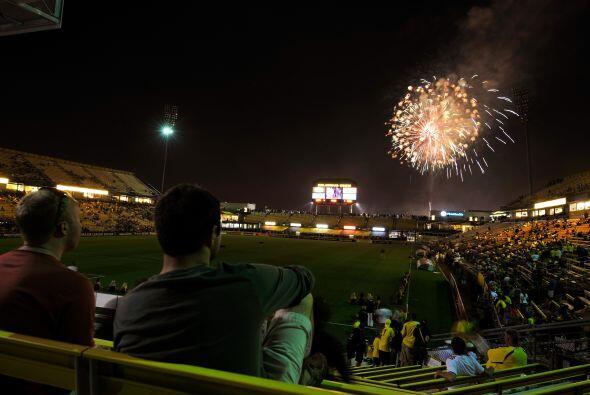 Y los partidos de la MLS son una verdadera fiesta de luces.