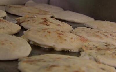 Las pupusas salvadoreñas ganaron el premio a la comida callejera