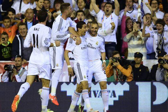 El tiro de Di María acabó en gol, significando el 1-0.