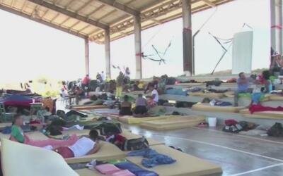 Limbo migratorio de cubanos varados en Centro América con el objetivo de...