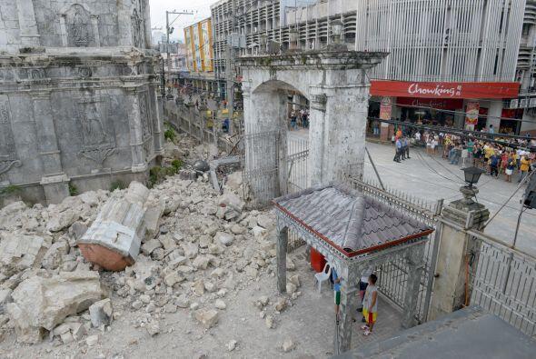 Si bien este terremoto fue más poderoso no causó tantas víctimas como el...