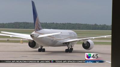 Falleció pasajero en vuelo de Denver a Houston
