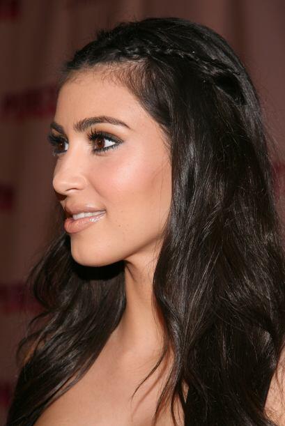 Kim Kardashian prefirió unas mini trenzas para que su cabello no le tape...