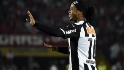 Ronaldinho aseguró que tiene muchas ofertas.
