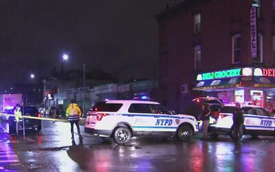 Un hombre murió atropellado por un camión en Brooklyn