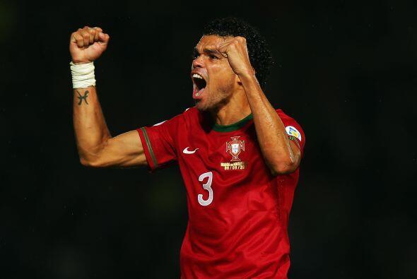 Nacido en Maceió, Brasil pero forjando una exitosa carrera en Por...