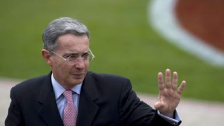 La Haya analizará la demanda del ex presidente Alvaro Uribe contra el ma...