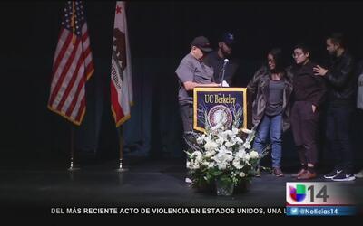 Recuerdan a víctimas del incendio de Oakland en UC Berkeley