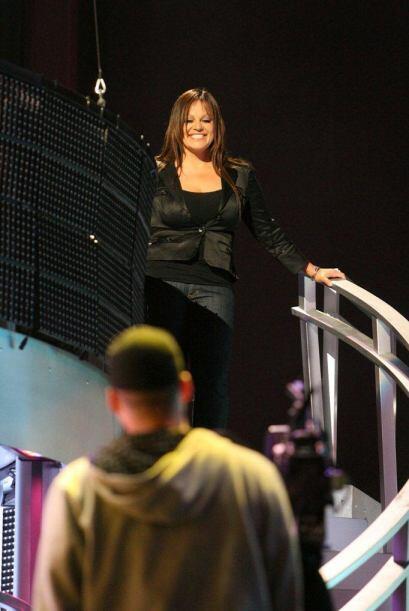 En el 2008 fue invitada a hacer su debut en el escenario de Premio Lo Nu...