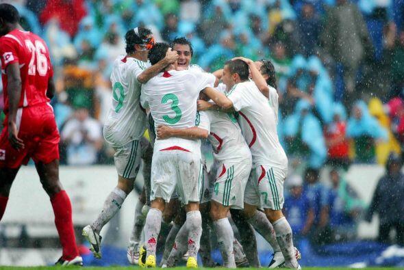 México ganaba el partido 1-0 gracias a un autogol de Felipe Baloy...