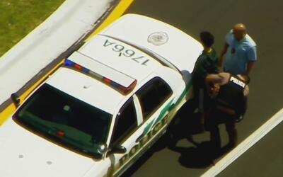 Arrestan a cinco sospechosos de robar las carteras de dos mujeres en un...