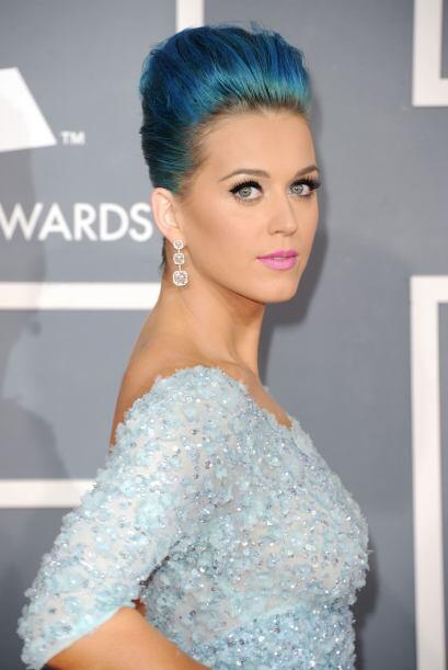 Amanda Bynes se unió a la moda del cabello azul, la cual varias famosas...