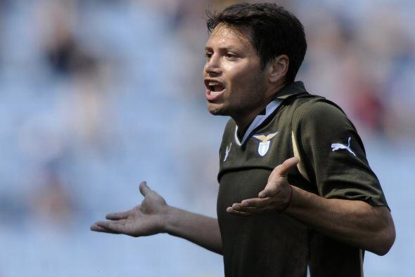 Incluso, el argentino Mauro Zárate del conjunto lazial estaba indignado....