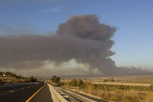 La panorámica de Haifa se cubrió de humo, tras el incendio.
