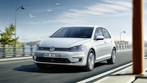 El Volkswagen e-Golf se renovó con un incremento en su autonom&ia...