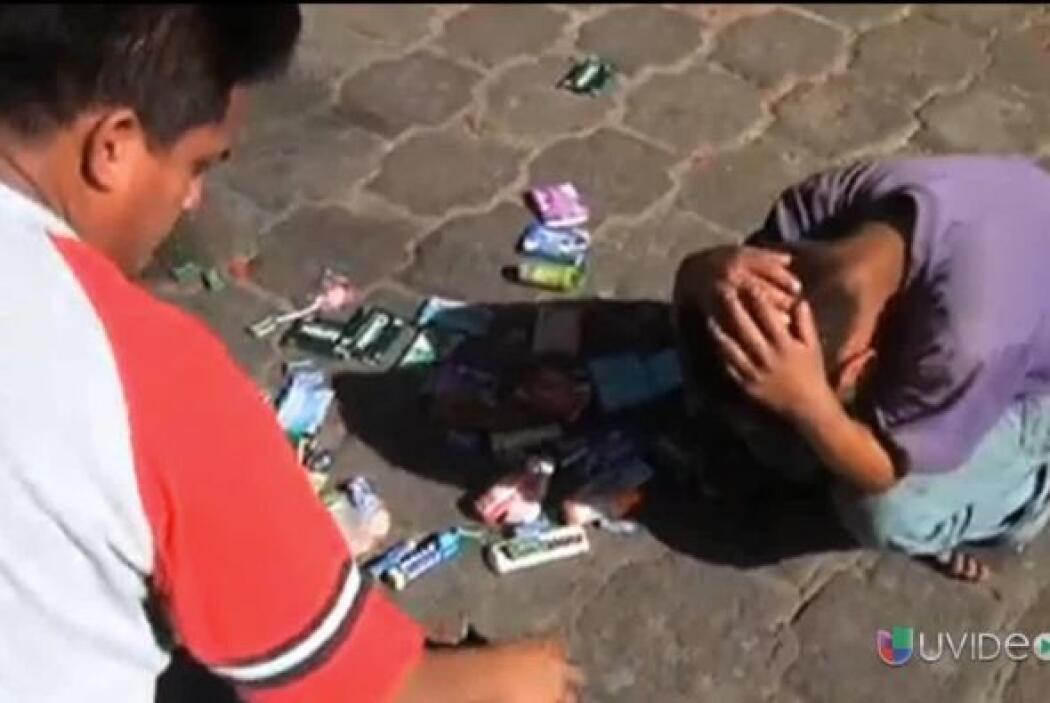 Manuel, el niño tzotzil huérfano y de 10 años, se encontraba vendiendo d...