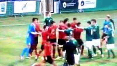 La pelea se dio durante el encuentro entre México e Irlanda de la Milk Cup.