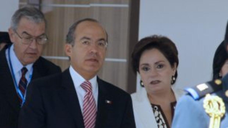 Felipe Calderón indicó que se tratará de combatir la guerra de divisas d...