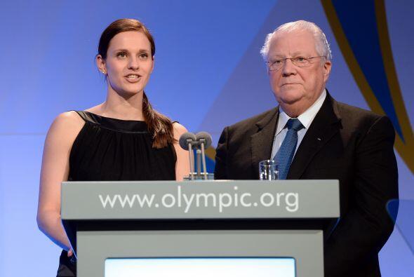 Aquí vemos a Vitali Smirnov, miembro ruso del Comité Olímpico Internacio...