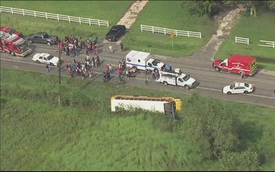 Autoridades investigan el accidente de un autobús escolar del distrito C...