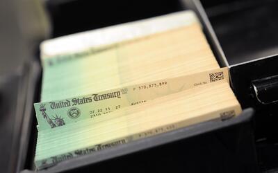 SSA envía cheques a muertos.