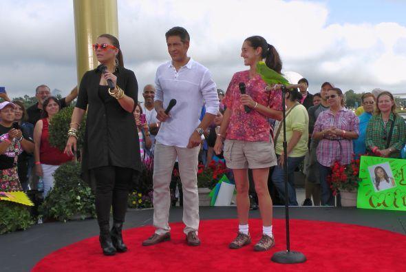 La cantante llegó a Disney para llenar de alegría y buen humor esta gran...