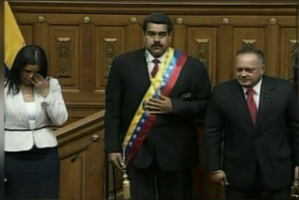 12. El 19 de abril Nicolás Maduro juramentó como presidente de Venezuela...