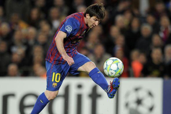 Lionel Messi, con dos jugadas geniales, está metiendo a su equipo...