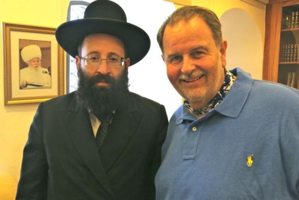 Israel es un lugar donde existen religiones muy diferentes. Aquí, Raúl c...