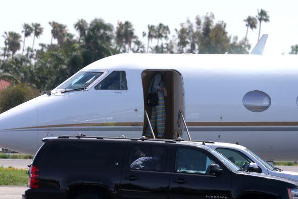 La parejita abordó un jet privado. Más videos de Chismes aquí.