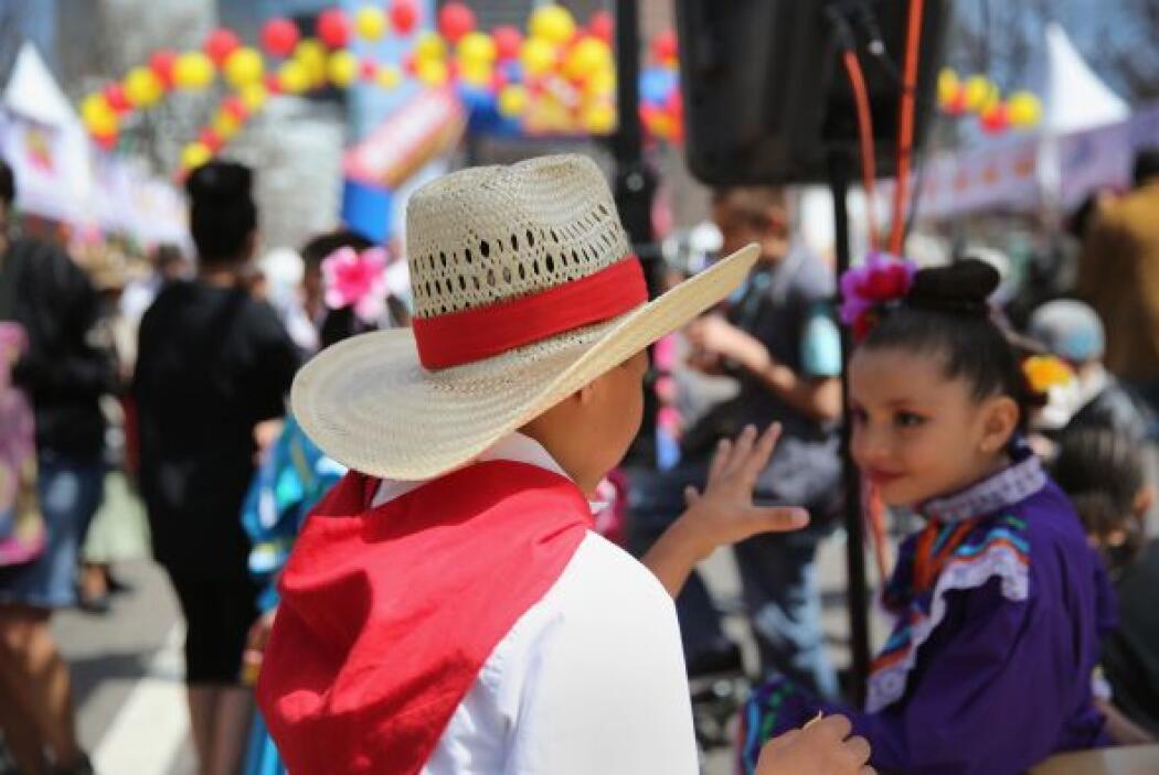 Un sombrero de palma y un pañuelo también prometen elevar el look de gra...