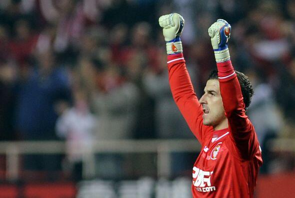 Gracias a su aporte, Sevilla sacó el triunfo y no recibió gol ante el co...