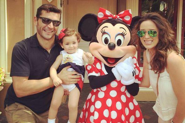 A las hermanitas les encanta Minnie Mouse.