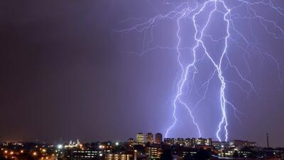 El cielo de Johannesburgo se iluminó con estos rayos. Ésta afirma ser la...