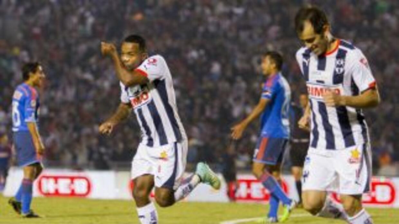 Dorlan Pabó celebra el único gol del partido.