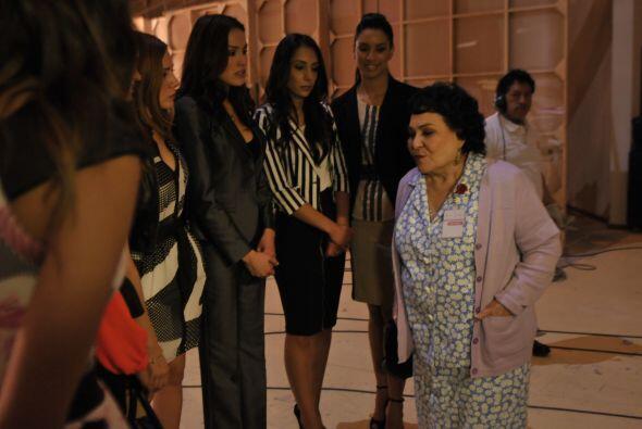 Carmelita Salinas fue presentada con las chicas. La actriz habló de su t...