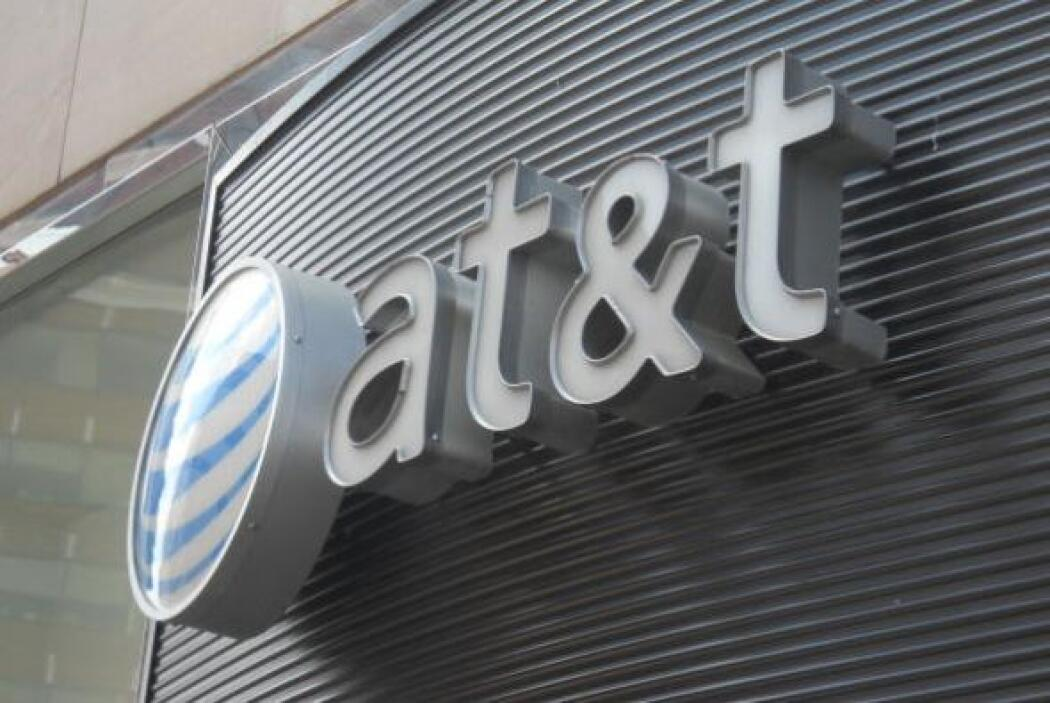"""AT&T significa """"American Telephone and Telegraph Company""""."""