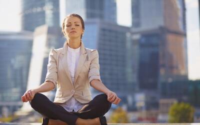 Beneficios de meditar en el trabajo
