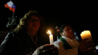 Familiares de los mineros realizaron una vigilia al pie de la mina.