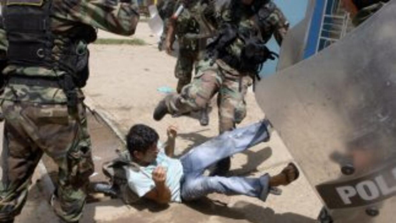 Enfrentamientos entre la policía y mineros en huelga dejó al menos tres...