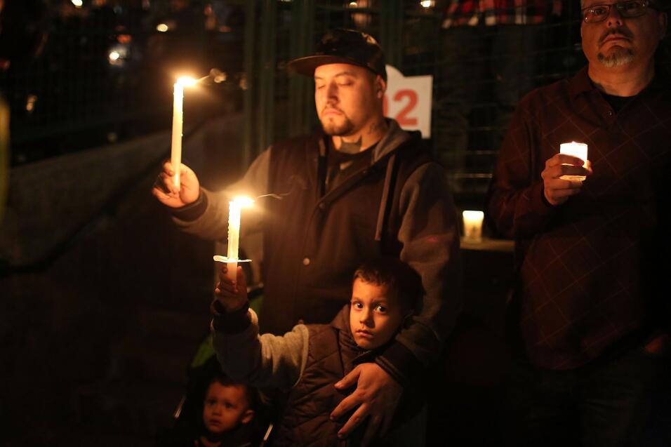 Las víctimas hispanas de tiroteo en California  vigilia12.jpg