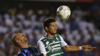 El futbolista consiguió su tercer titulo en menos de dos años y medio.