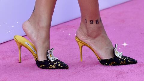 Lo más remarcable del look de Rihanna fueron sus zapatos.