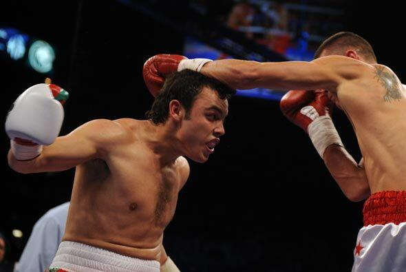 Aunque venía con buenas credenciales, Rowland no fue un boxeador...