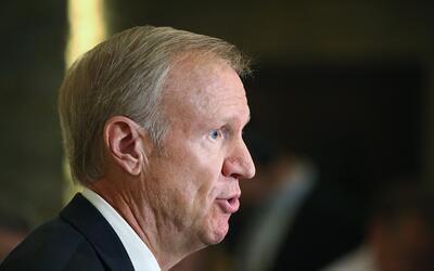 Chicago en un minuto: Gobernador Bruce Rauner presenta presupuesto estatal