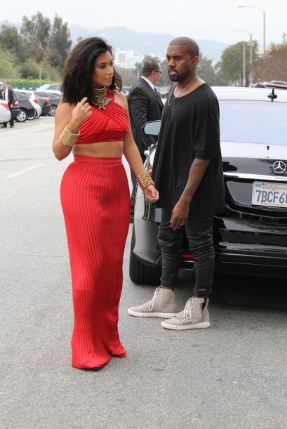 La Kardashian deslumbró con su look.
