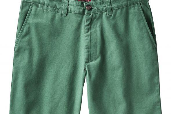Puedes combinarla perfecto con esta Bermuda Merona lisa en color verde a...