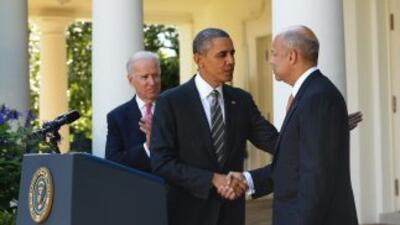 18 de octubre de 2013. El Presidente Barack Obama presenta a Jeh Johnson...